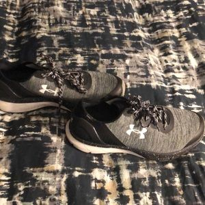 EUC Under Armour running shoes
